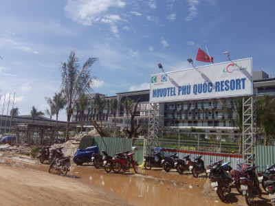 Building the new Novetel Phu Quoc Resort. Prsonally, think it is a shite location.