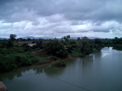 River on the road to Pailin